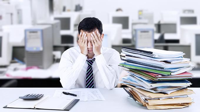 営業の離職率は高い?改善するための対策とは?